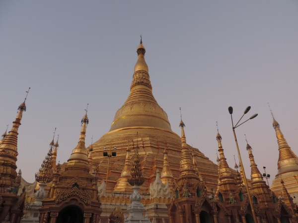 The Shwedagon Pagoda today stands close to 110 meters and is covered with hundreds of gold plates. The top of the stupa is encrusted with 4531 diamonds, the largest of which is a 72 carat diamond.