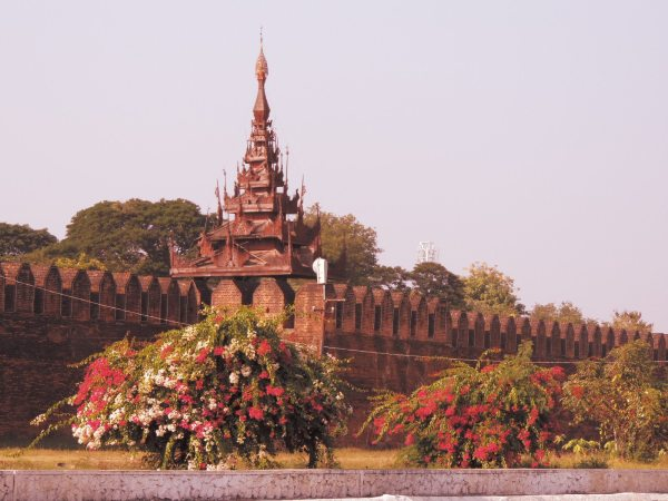 The exterior of Mandalay palace