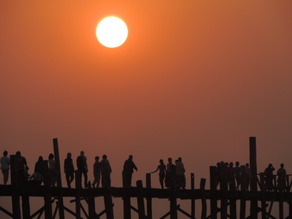 U Bein bridge - sublime at sunset