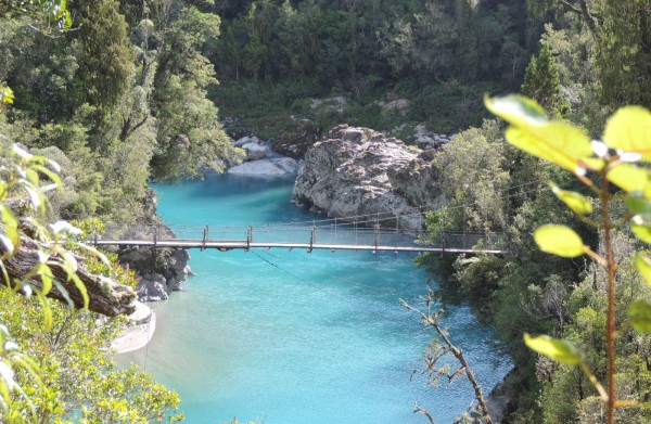 The crystal clear waters of Hokitiki gorge