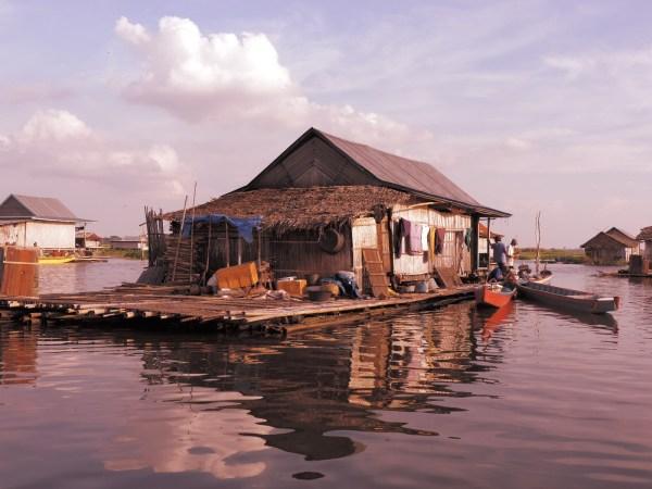 Floating house - Tempe Lake, Sengkang